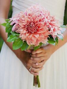 свадебные букеты невесты флористика георгин