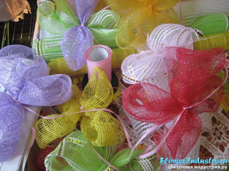 Поделки из упаковочной сетки для цветов 16